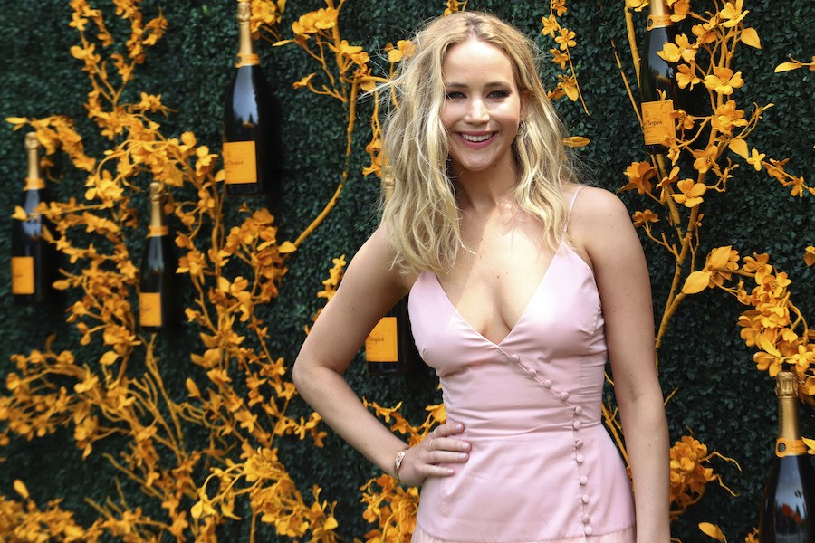 jennifer-lawrence-worlds-highest-paid-actress-is-making-real-estate-moves