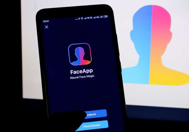 faceapp-lets-you-'age'-a-photo-by-decades-does-it-also-violate-your-privacy?