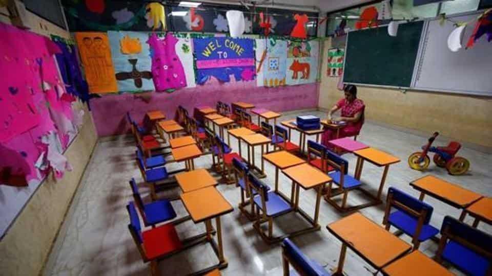 coronavirus-teacher-closure-primary-government-schools-classroom_5651468c-b85e-11ea-b212-8f8a0313eef6